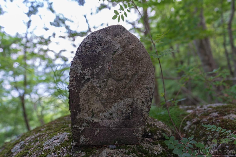 黒戸尾根にある石仏