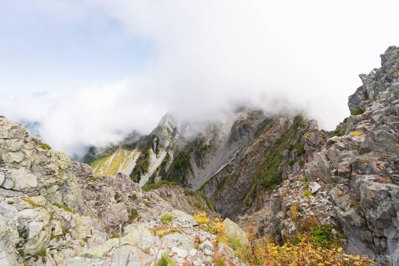 吊尾根から見る前穂高岳