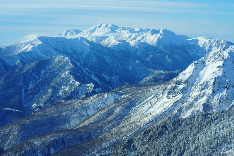 白銀の乗鞍岳の画像