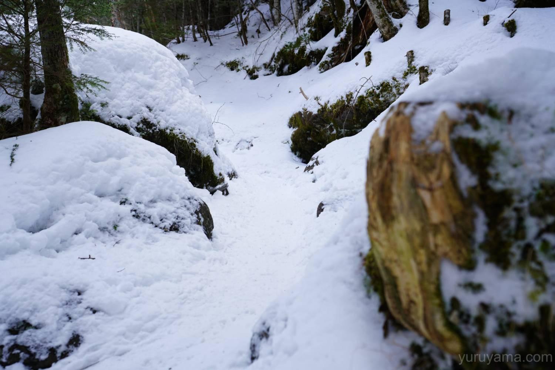 硫黄岳までの登山道の画像