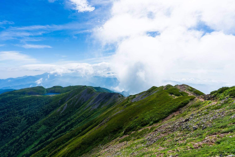 小蓮華山から続く稜線