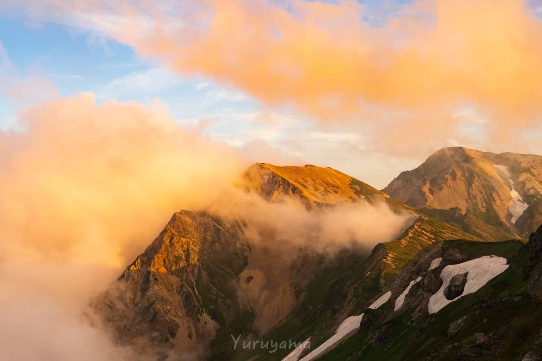 杓子岳と白馬鑓ヶ岳のアーベントロート