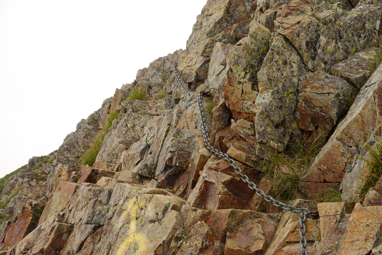 五竜岳までの登山道の難所、牛首の岩場
