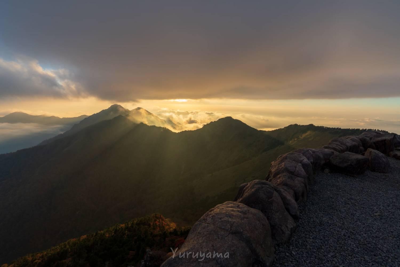 石鎚山で過ごすゴールデンアワー