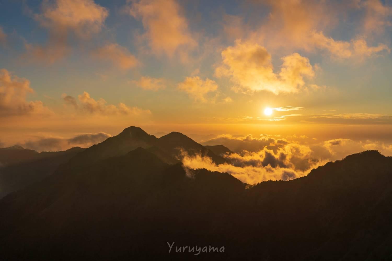 石鎚山から見るアーベントロート