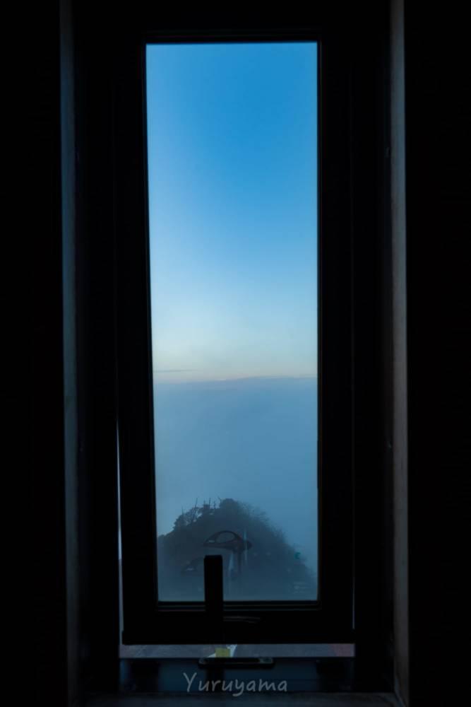 石鎚神社頂上山荘のトイレからの眺望