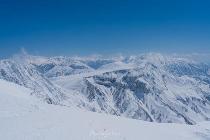 浄土山展望台から見える薬師岳