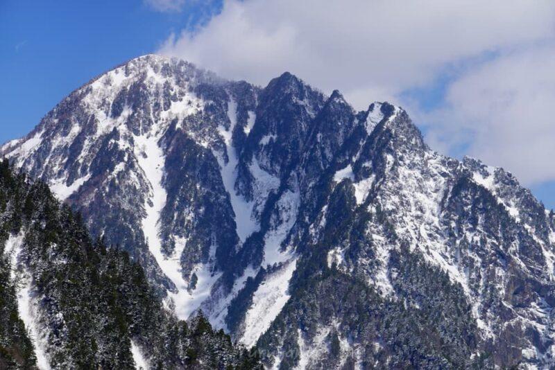 黒部ダムから見える丸山