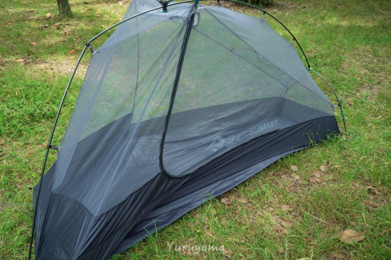 テントはメッシュタイプ
