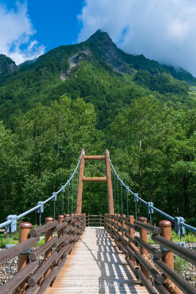橋と明神岳