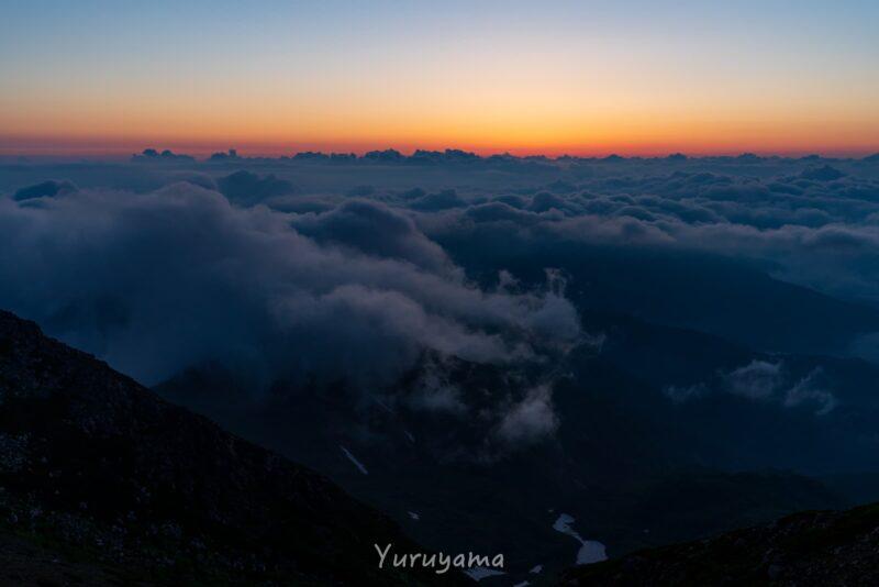 白山の日の出前の画像