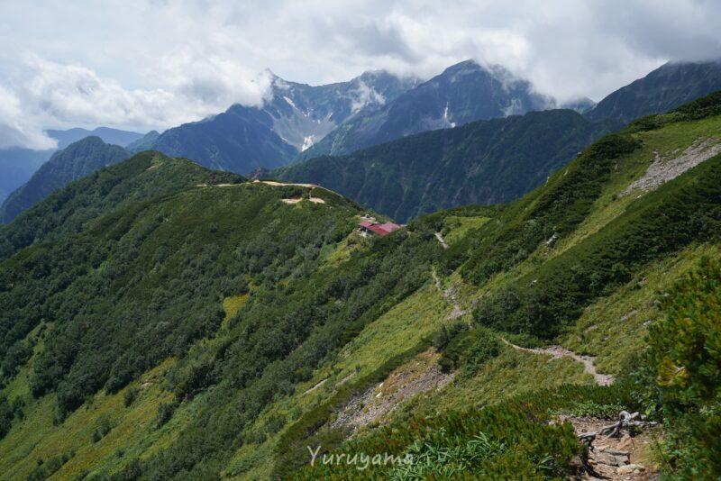 表銀座縦走路にあるヒュッテ西岳