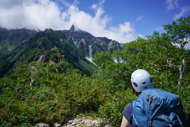 東鎌尾根から見える槍ヶ岳の画像