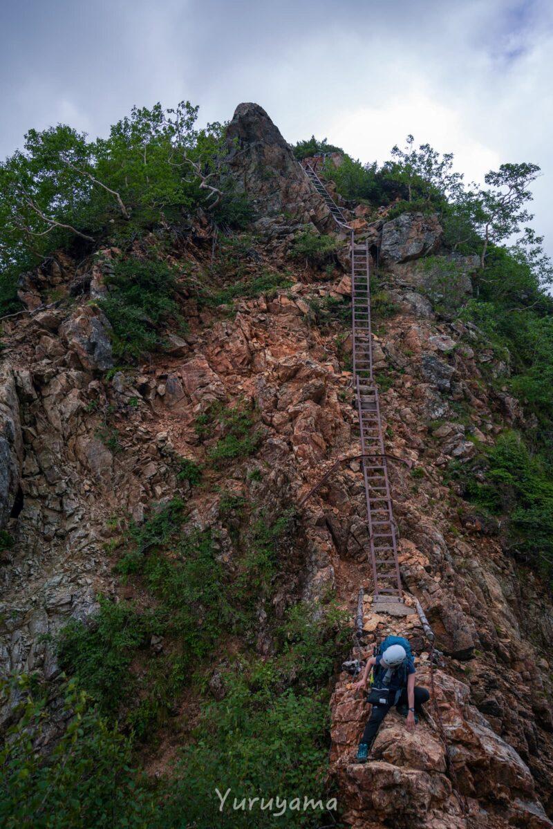 東鎌尾根のはしご