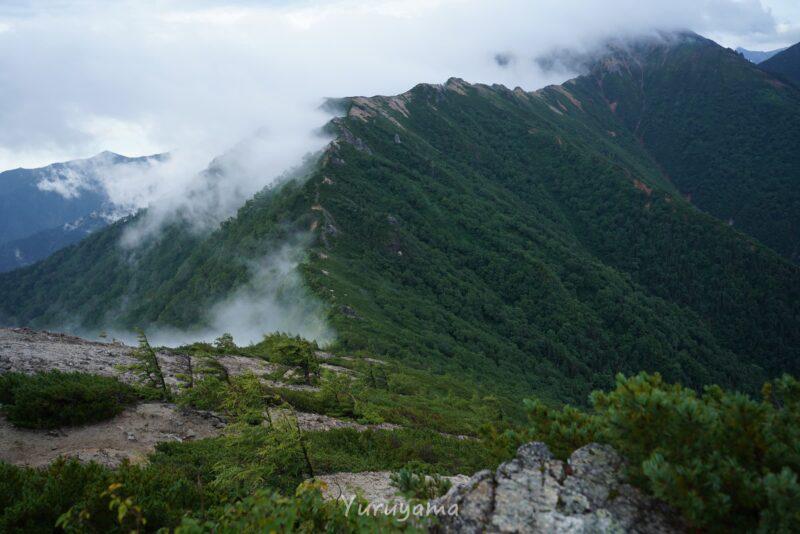 雲に覆われる表銀座縦走路